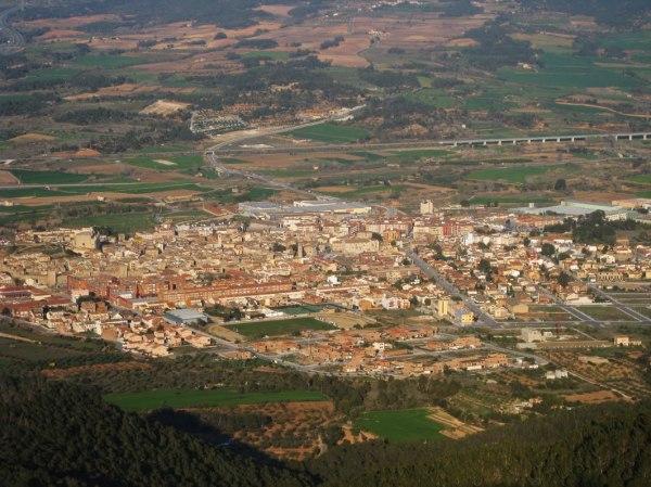 Vistas de la villa medieval de Montblanc al atardecer